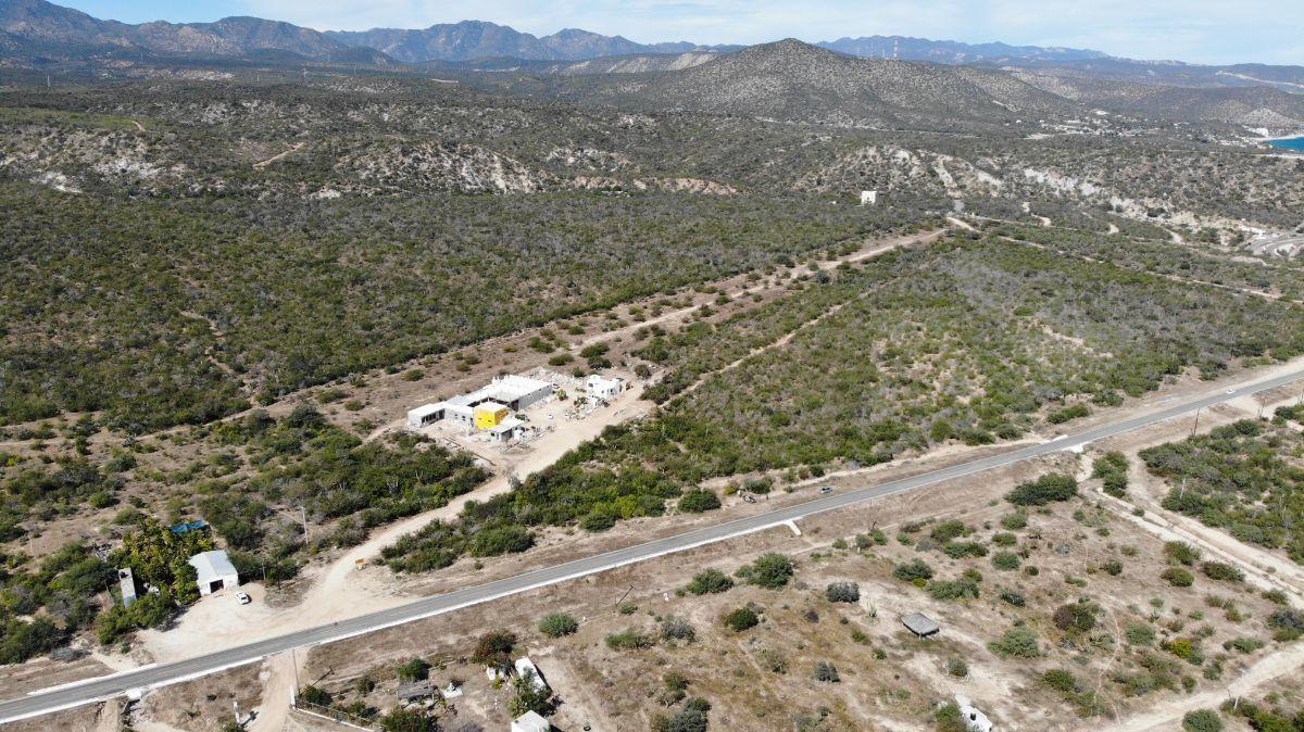 5 de 7: Vista de terreno hacia desierto