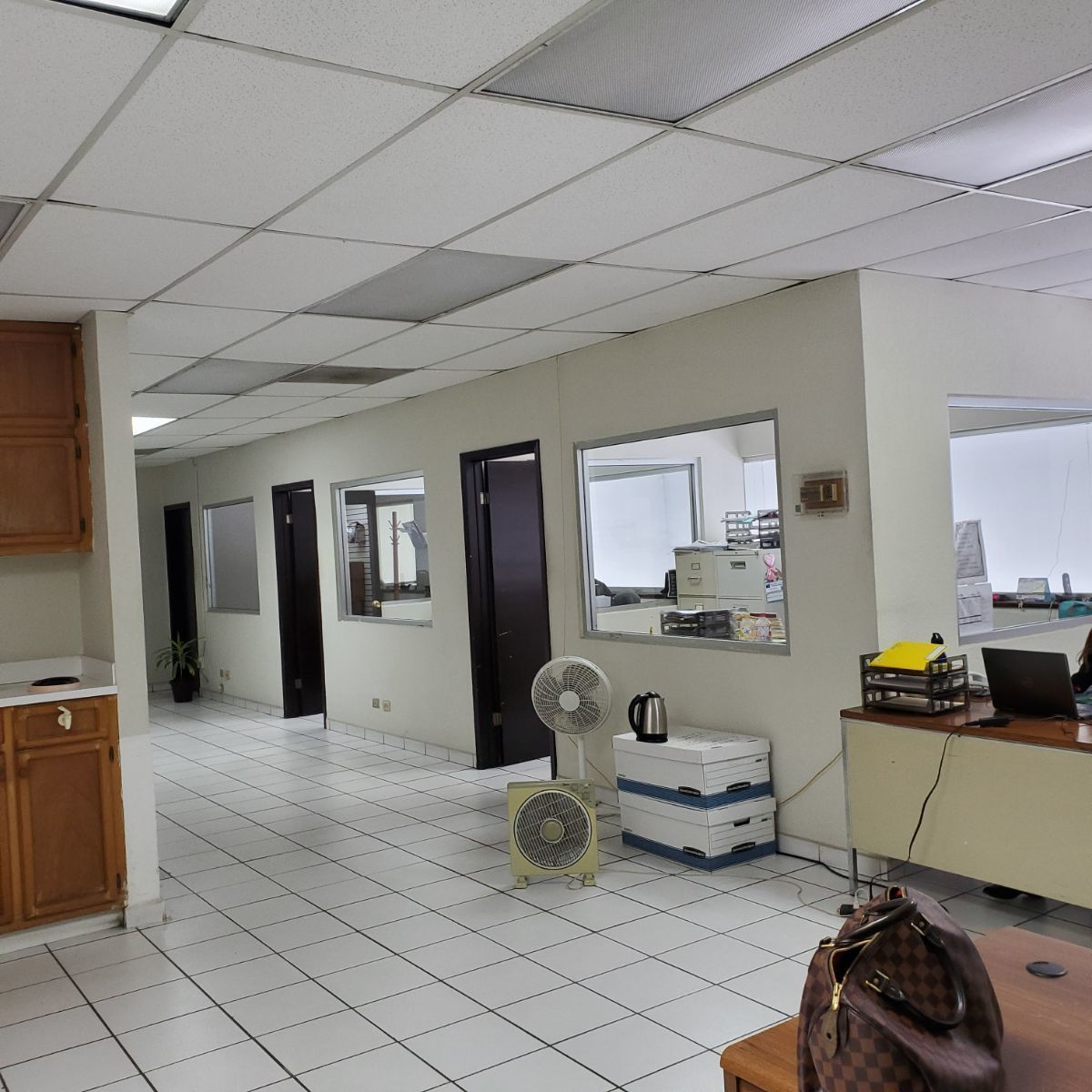 8 de 18: Segundo piso oficina
