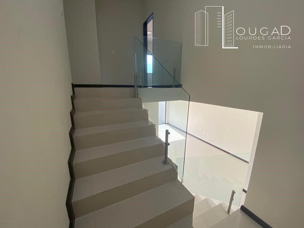 10 de 25: Escaleras