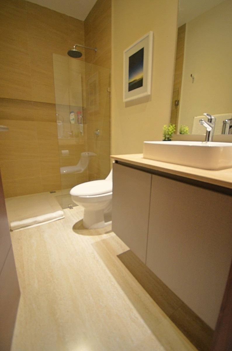 24 de 31: Full Bathroom 2