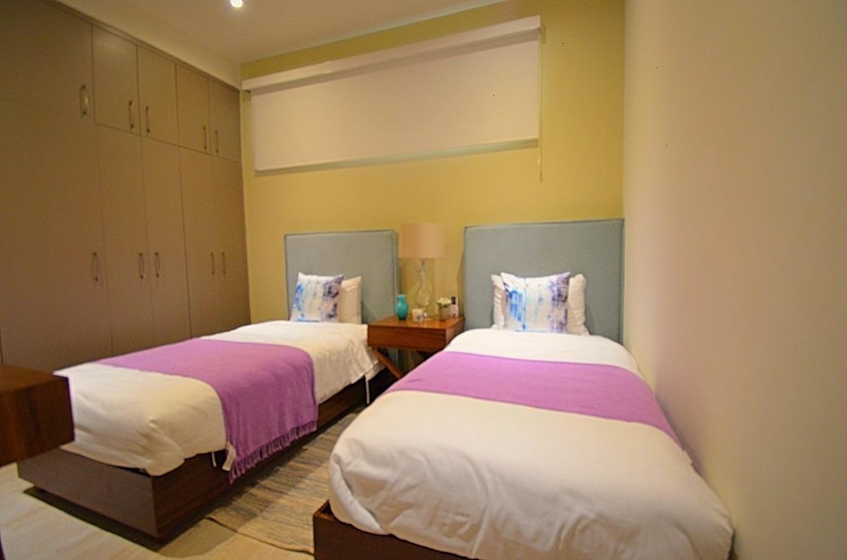 25 de 31: Bedroom 2, 2 single beds