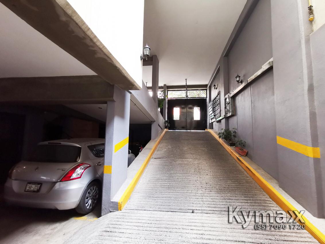 10 de 46: Entrada al 2do estacionamiento del Sótano 1