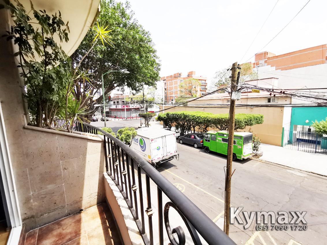26 de 46: Vista Balcón