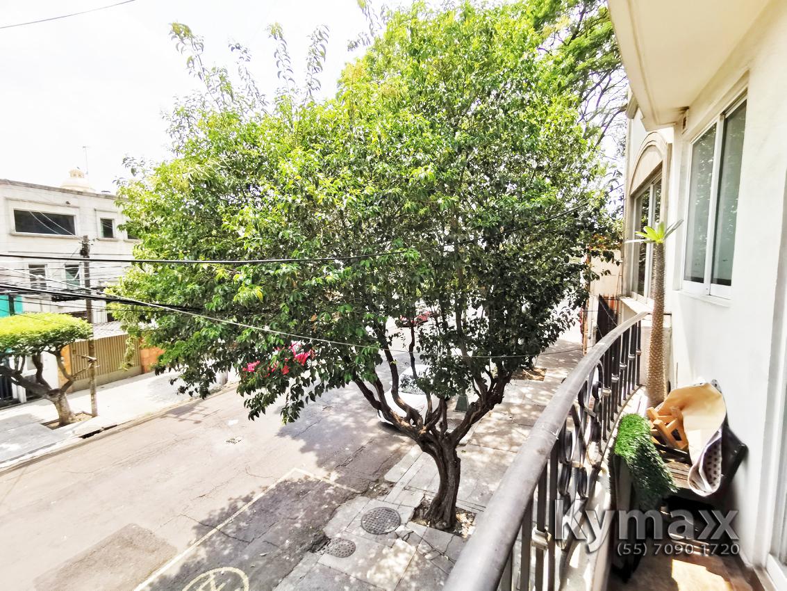25 de 46: Vista Balcón