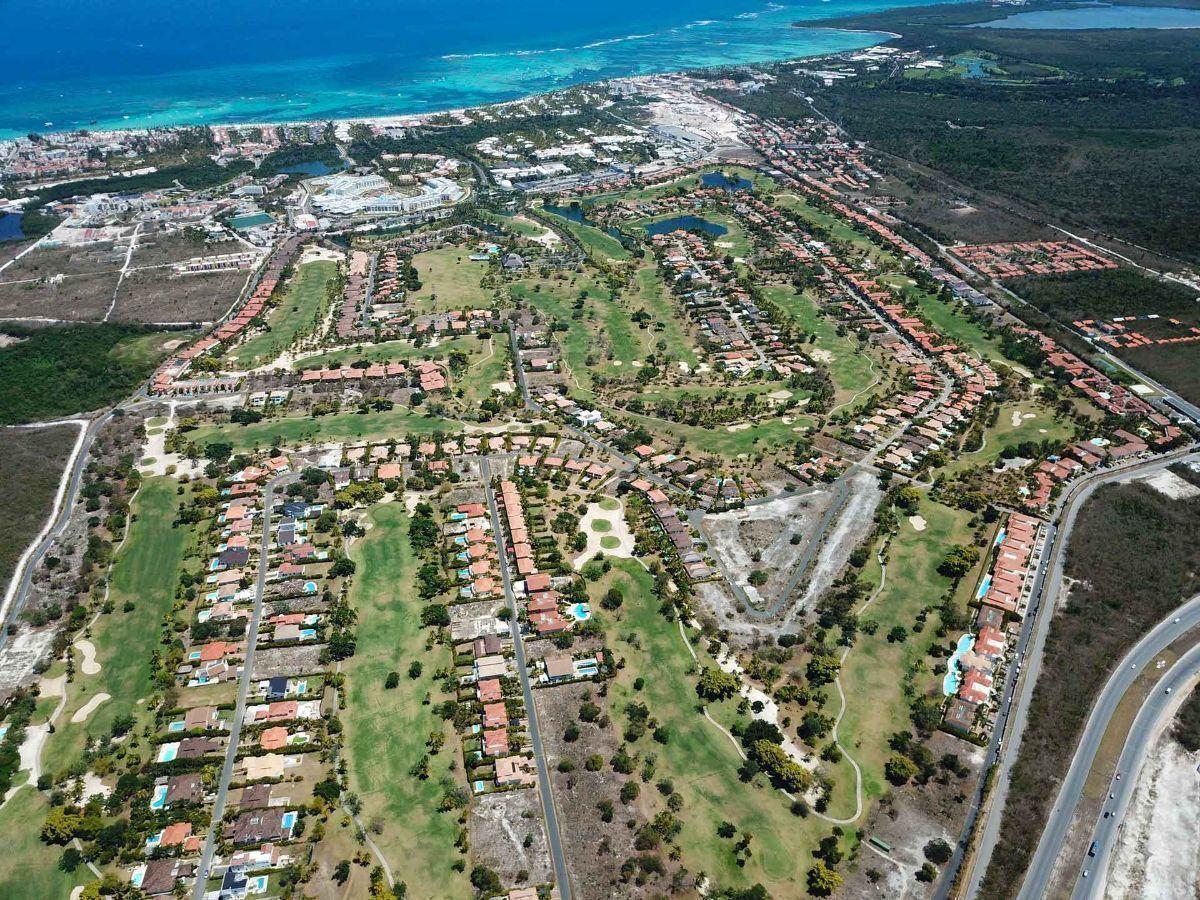 12 de 32: Apartamento en venta golf suite vista jardin 2 dormitorios