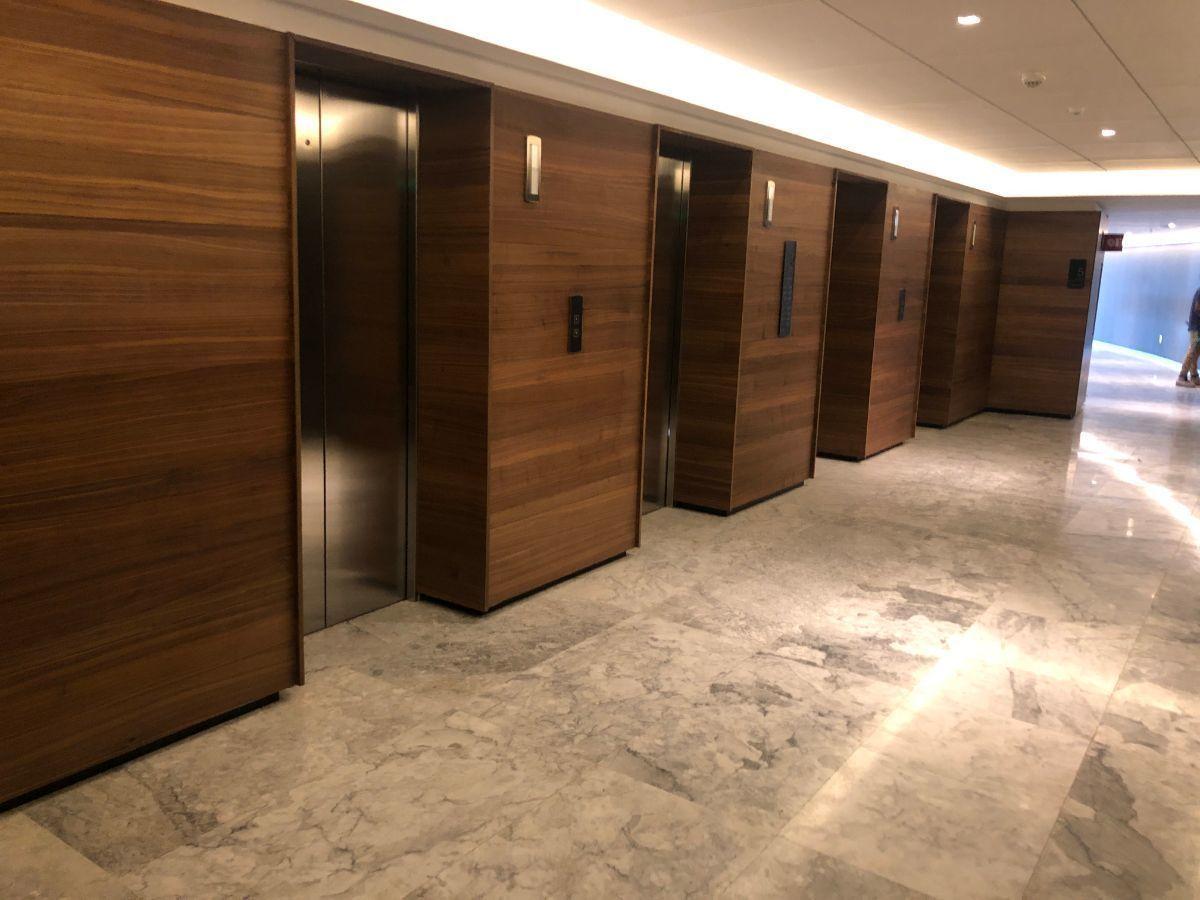 8 de 44: 4 elevadores