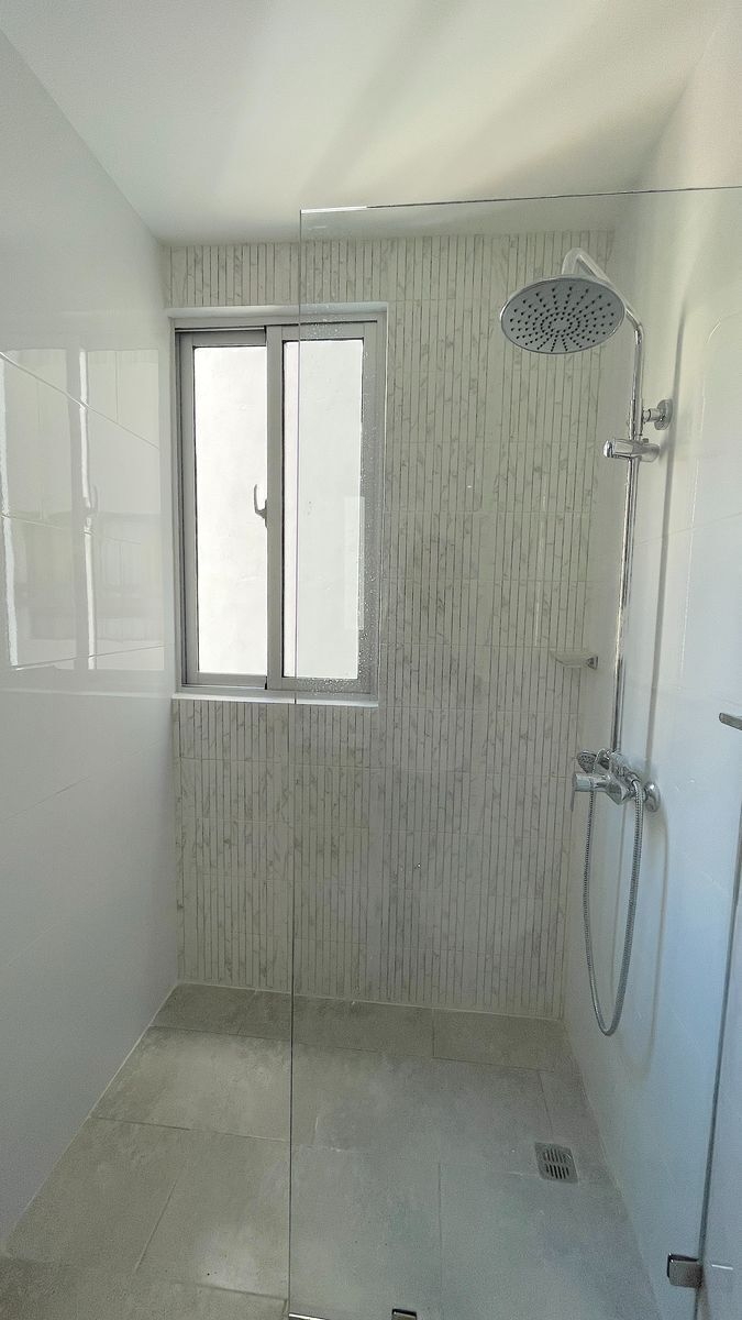 9 de 21: Baño habitación área de ducha