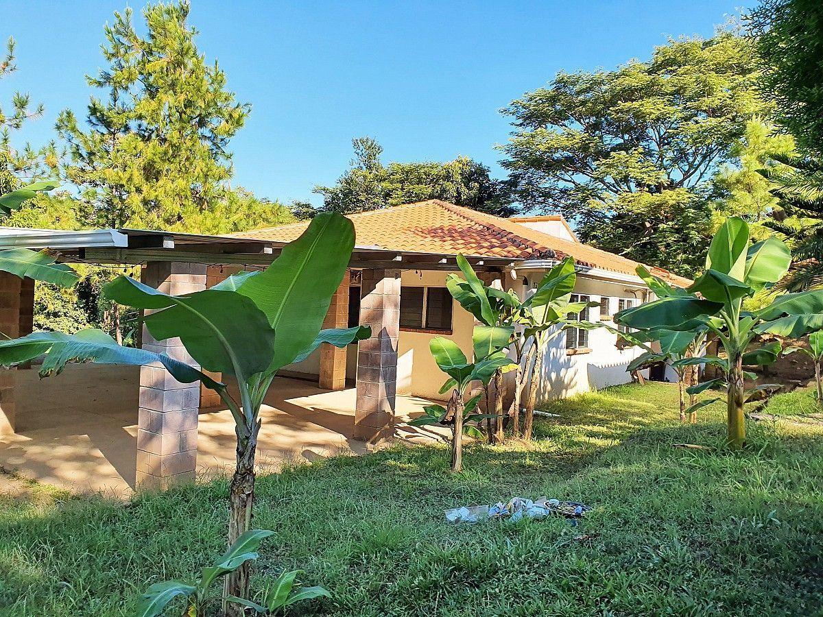 2 de 12: Casa en La Hacienda - Entrada