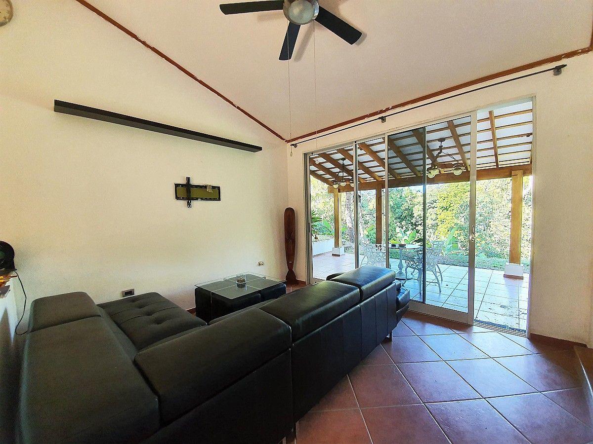 4 de 12: Casa en La Hacienda - Sala