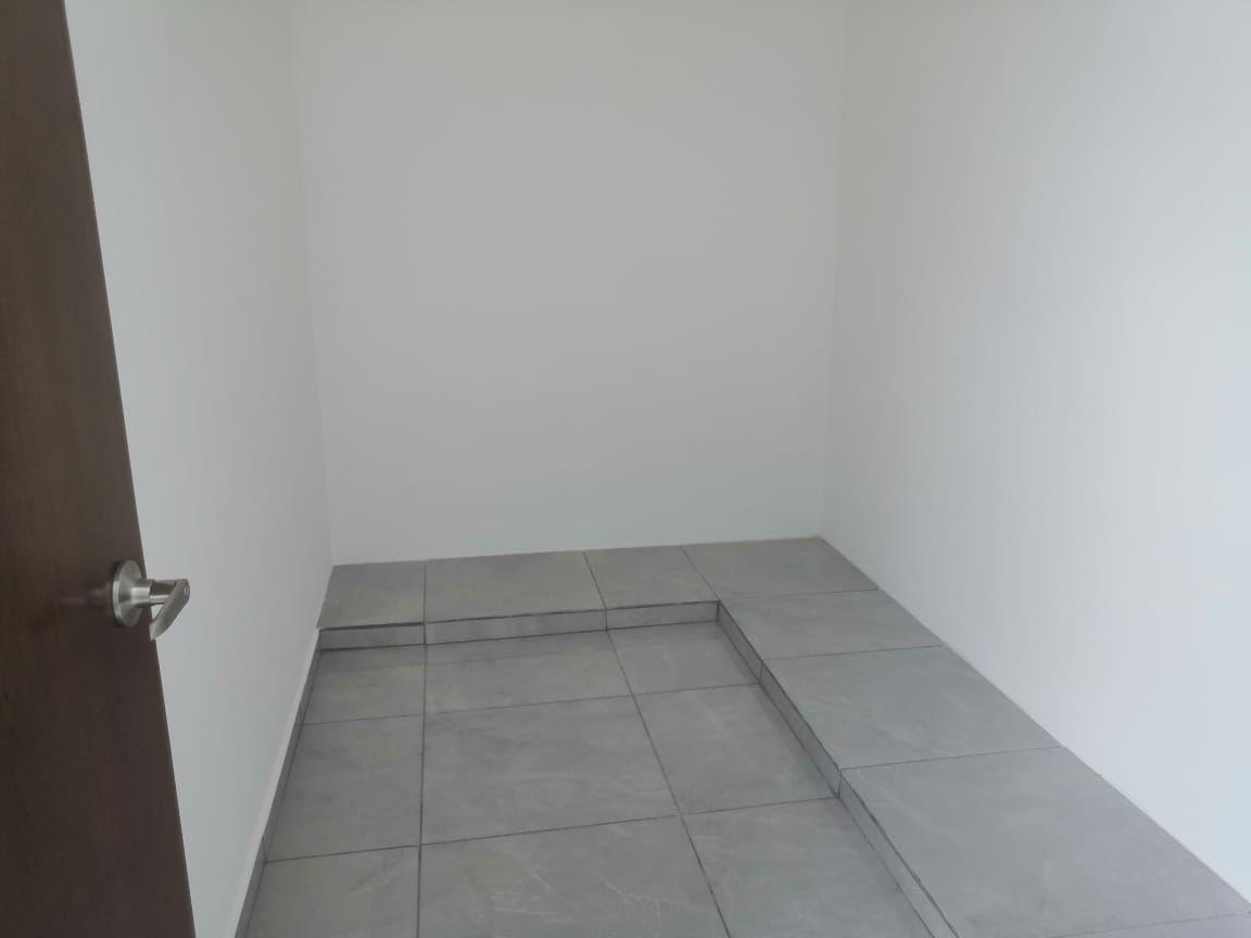 12 de 30: Closet Vestidor Recámara Principal