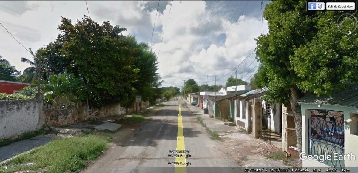 6 de 10: Acceso al terreno es por la vía principal que cruza pueblo