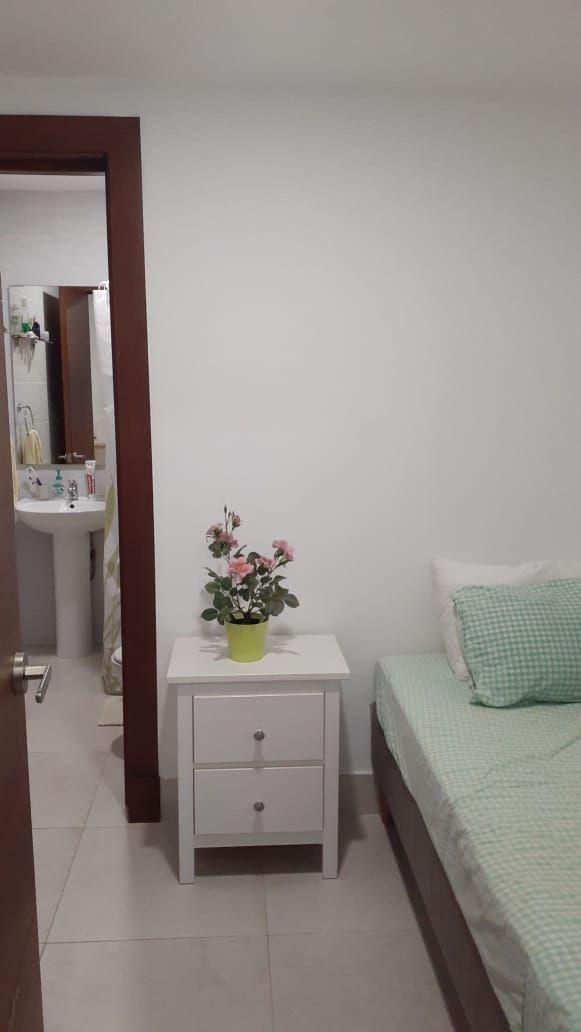 8 of 14: habitación de servicio / staff room