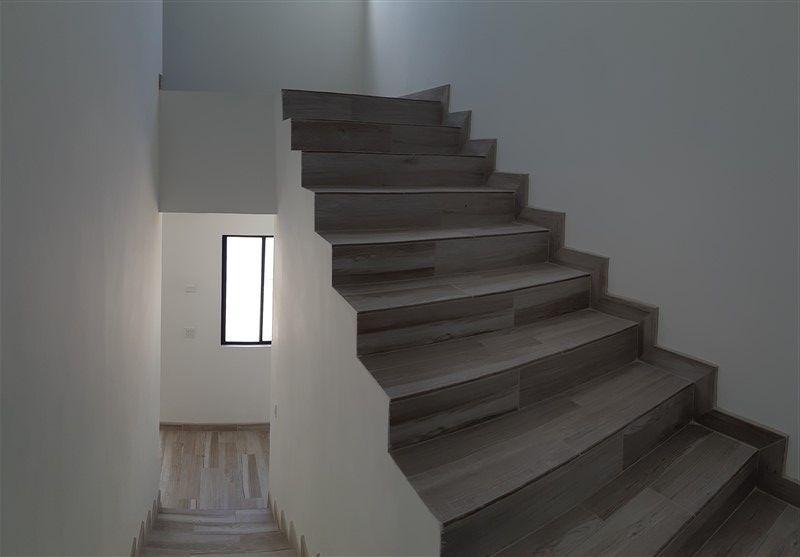 14 de 21: Detalle de escaleras
