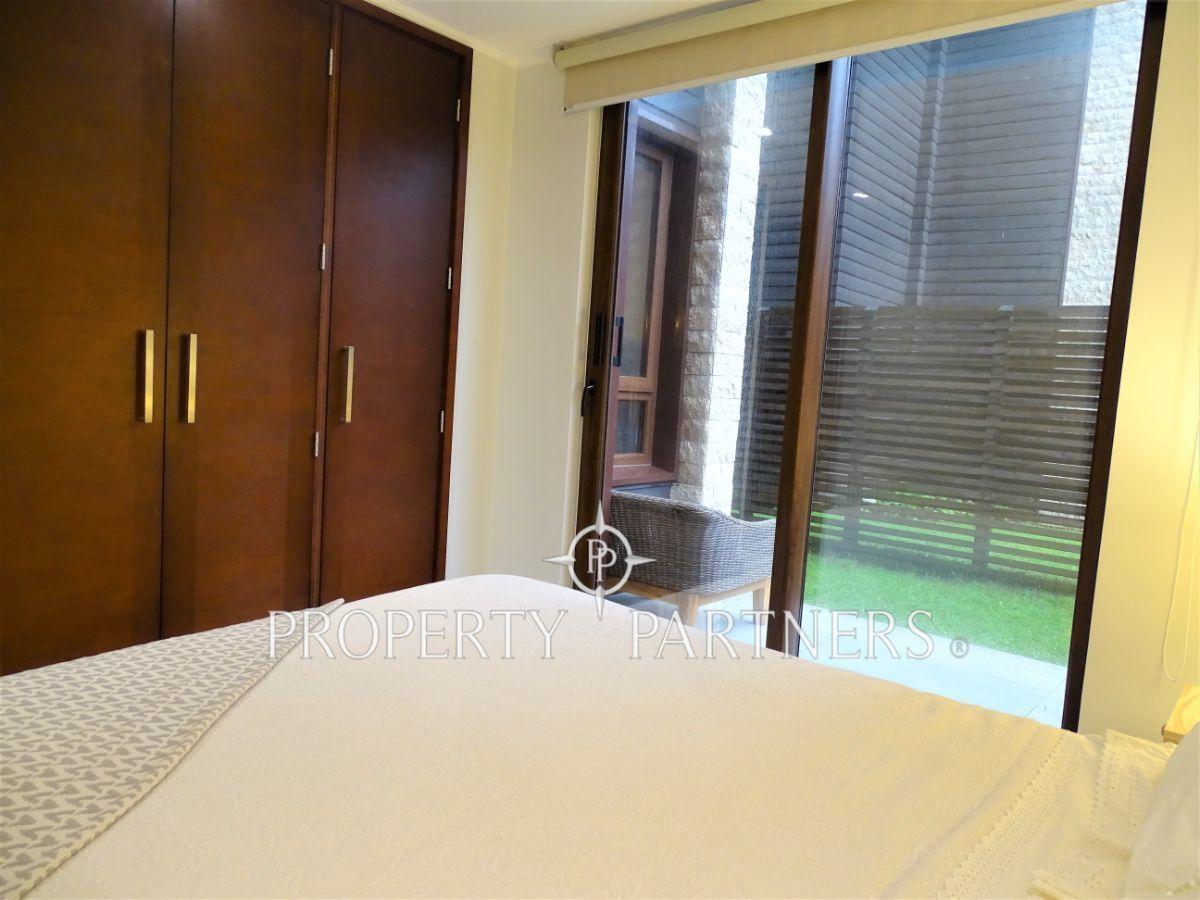 11 de 16: Dormitorio principal. Clóset