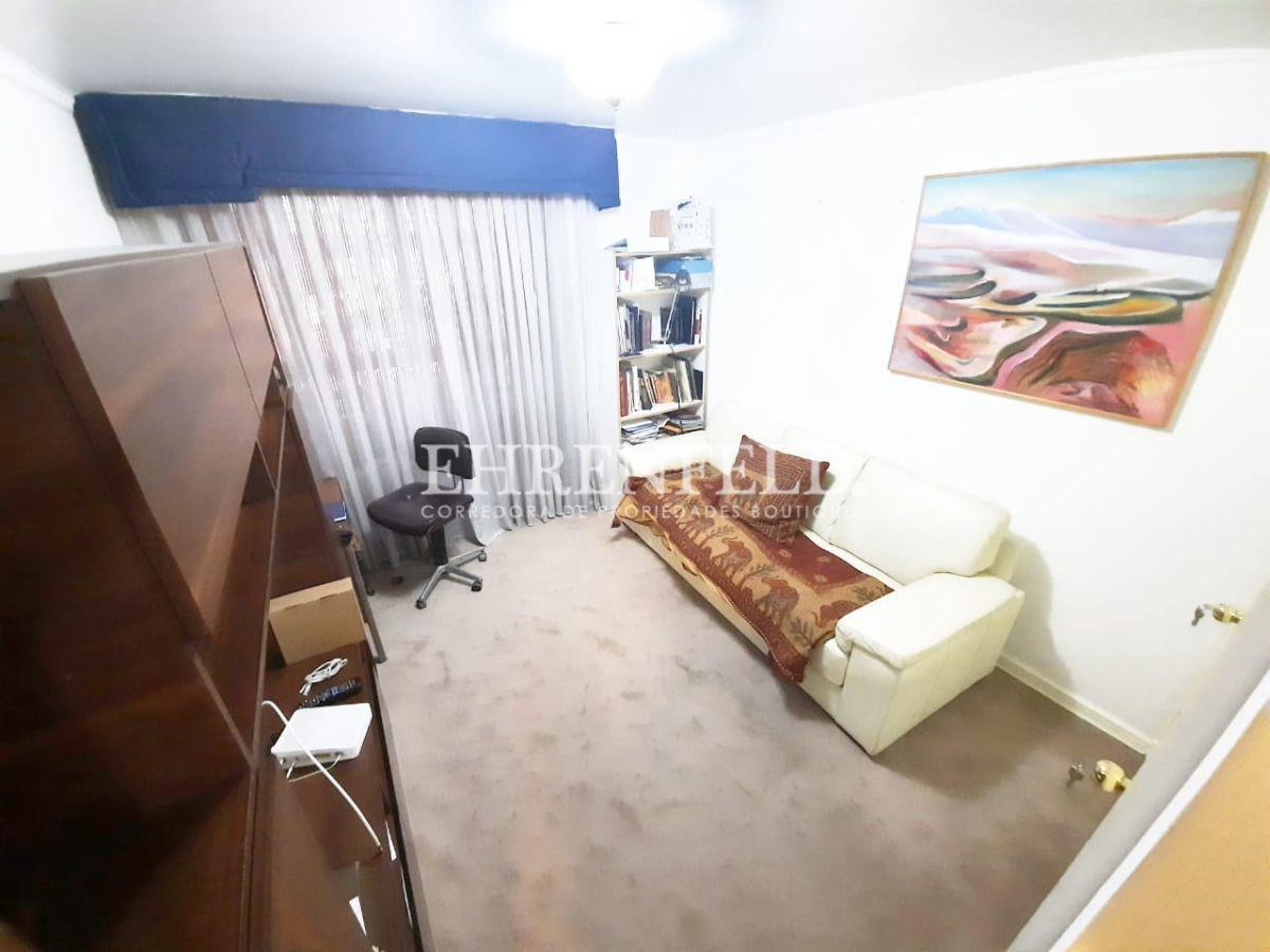 22 de 26: Dormitorio 2