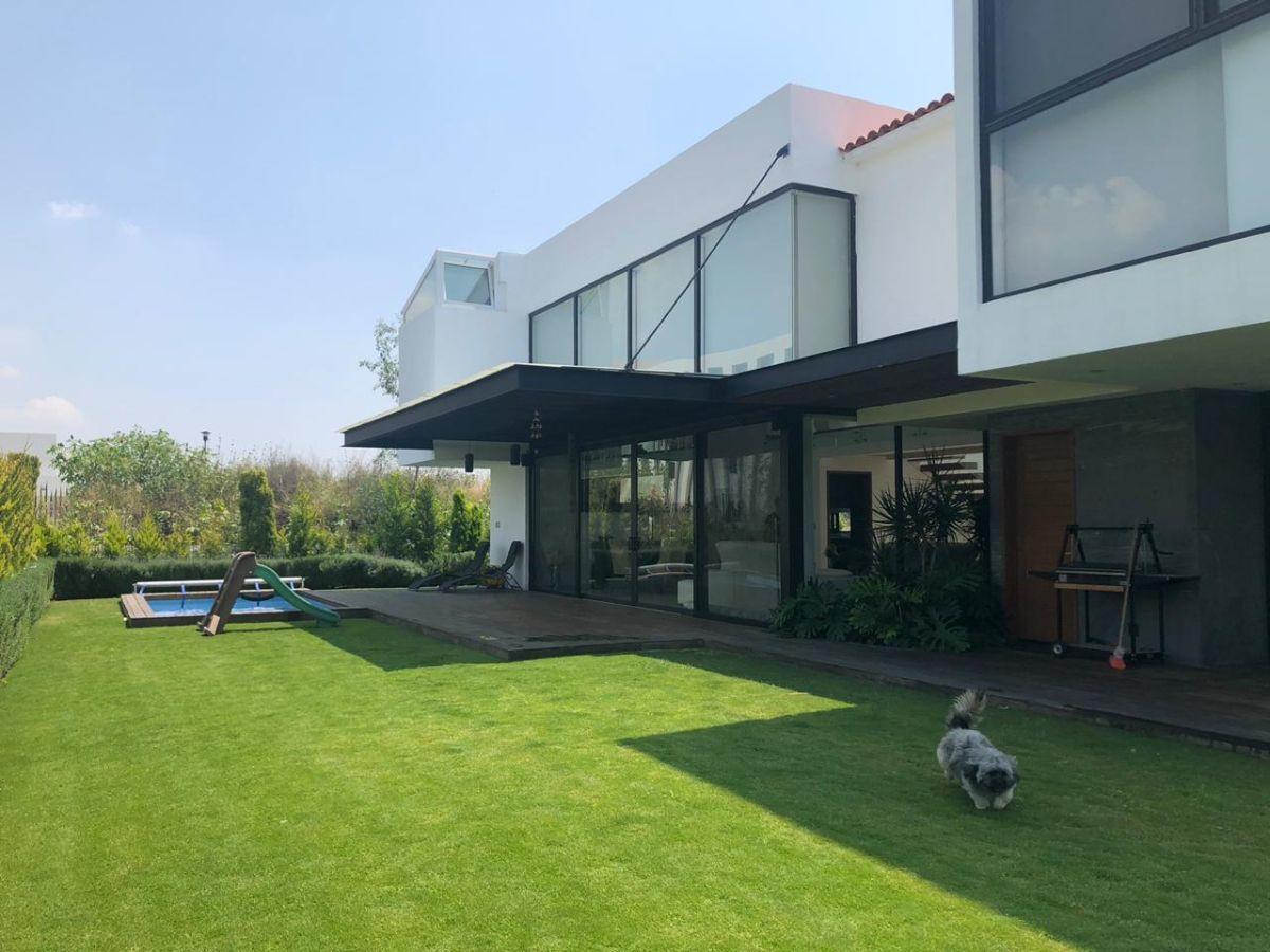 1 de 19: Jardin con alberca y terraza
