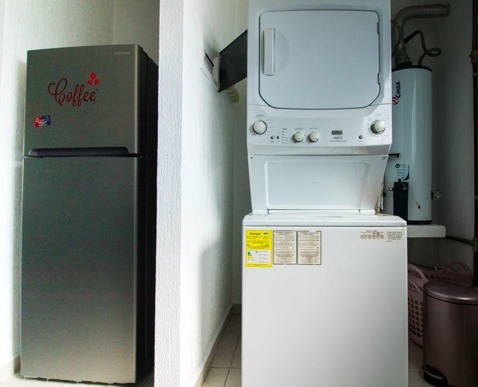 13 de 14: Refrigerador, Centro de Lavado