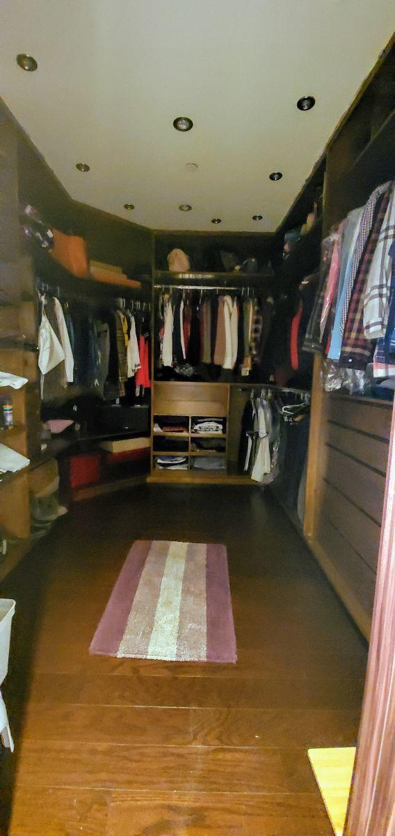 18 de 30: Walking closet recámara principal