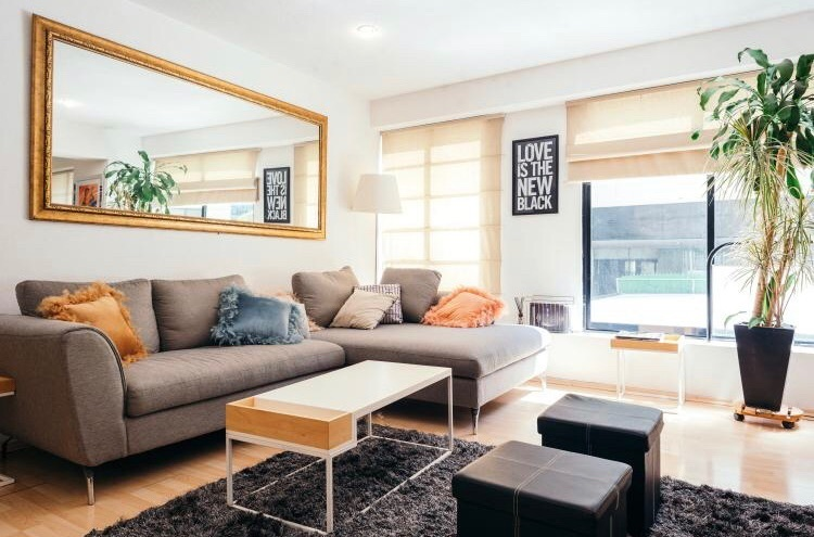 1 de 19: Sala con sofá en escuadra