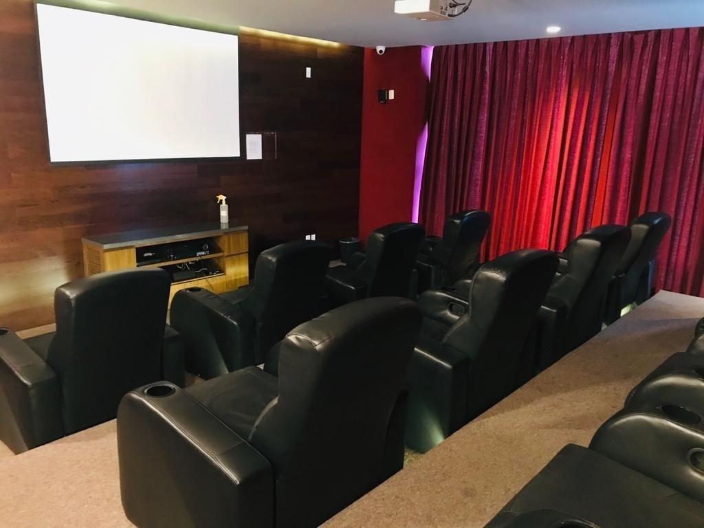 18 de 28: Sala de Cine.