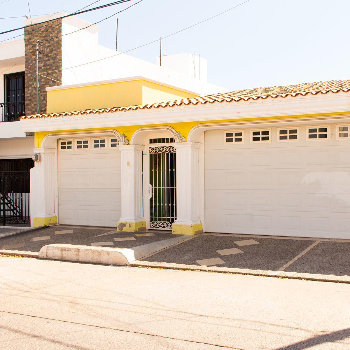 2 de 12: Amplia casa, ideal para invertir en bienes raices