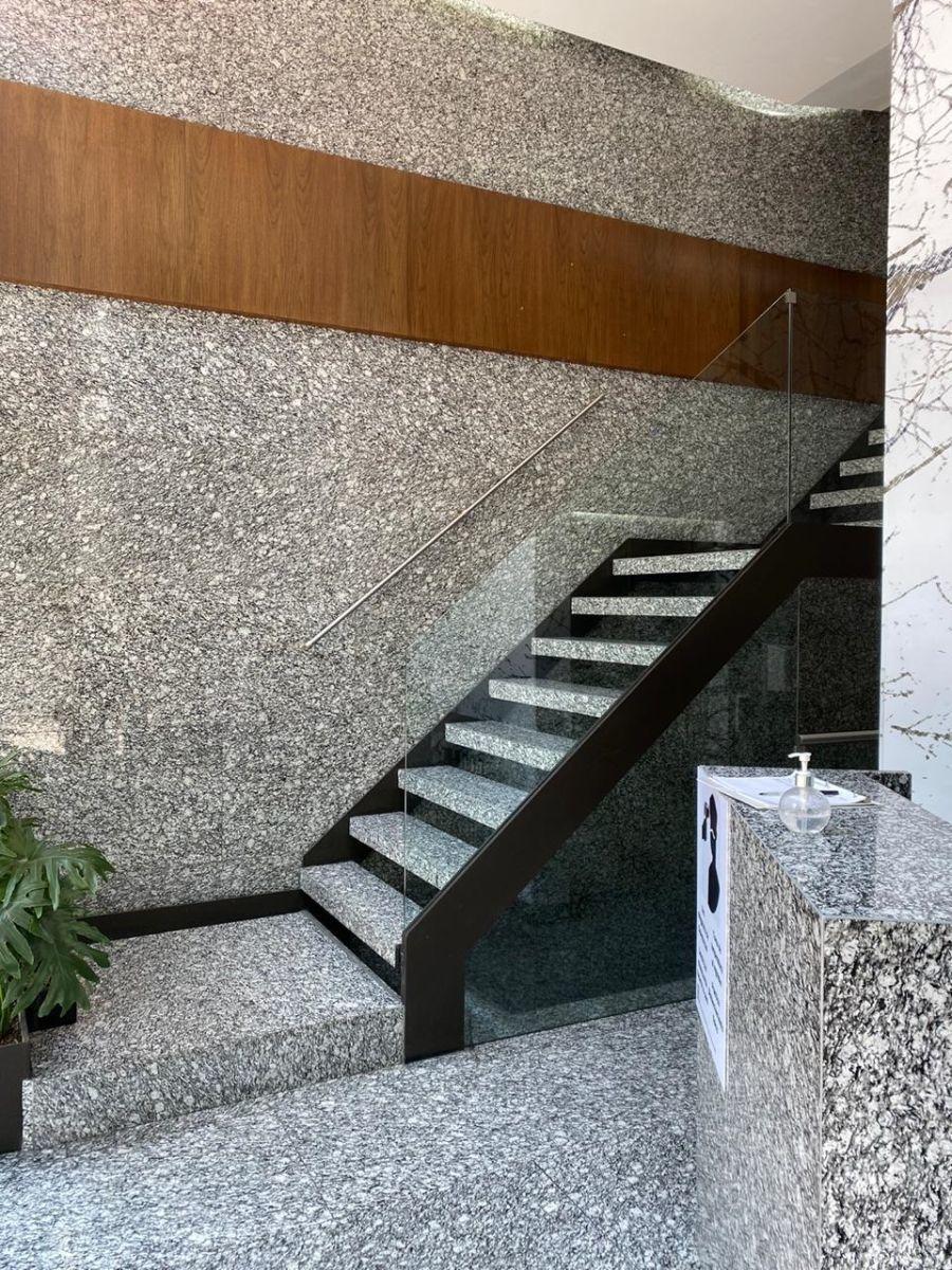 3 de 4: Entrada del edificio