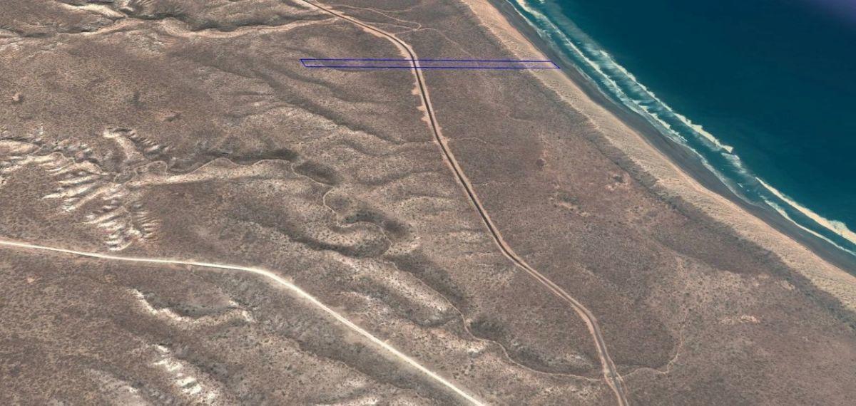 4 de 6: vista de costado playa y carretera II