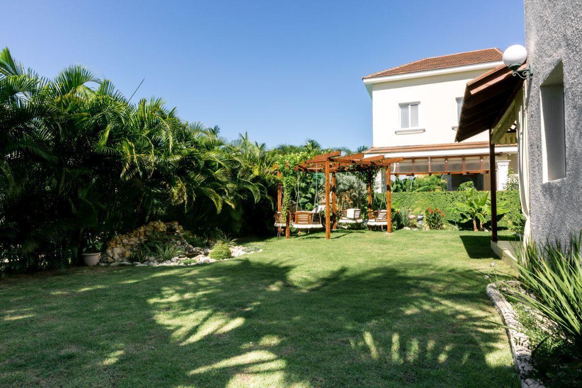 3 de 46: Villa Punta Cana village en venta 2 niveles 4 dormitorios