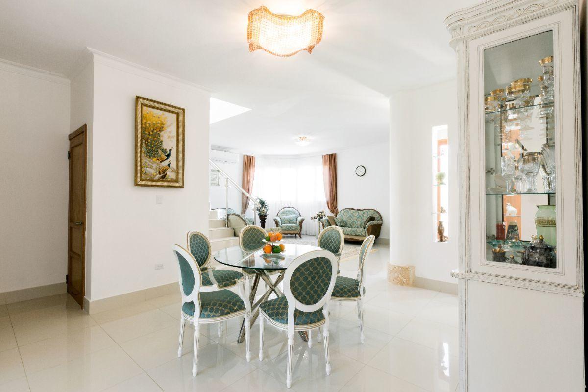 15 de 46: Villa Punta Cana village en venta 2 niveles 4 dormitorios