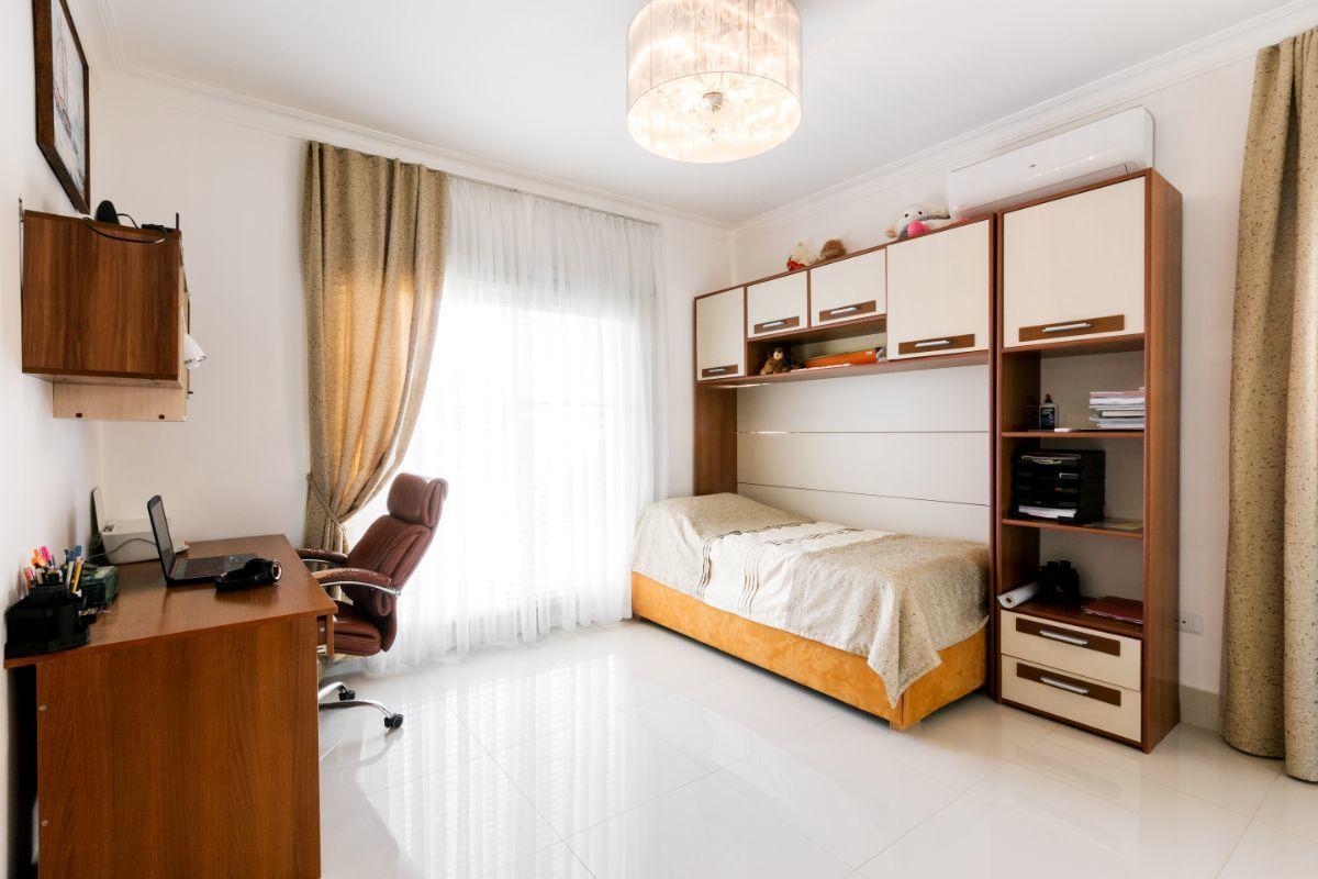 29 de 46: Villa Punta Cana village en venta 2 niveles 4 dormitorios