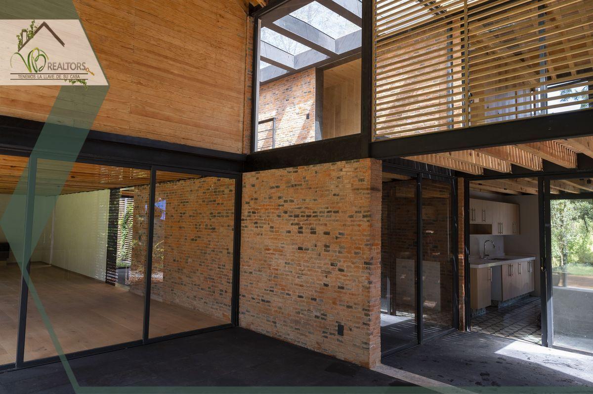 29 de 44: Sala/comedor con salida a terraza y acceso a cocina