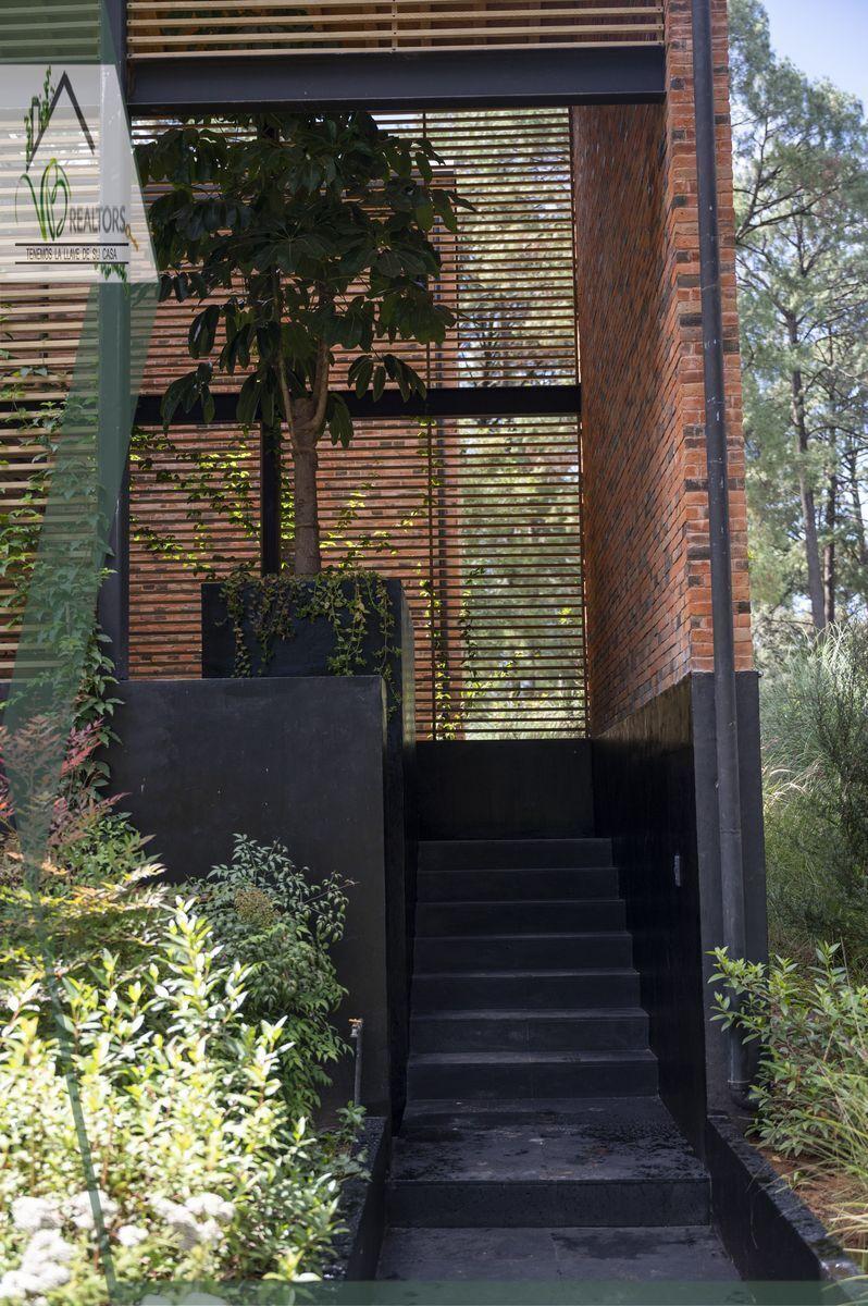 4 de 44: Entrada Principal www.vbrealtors.net Casa en Venta