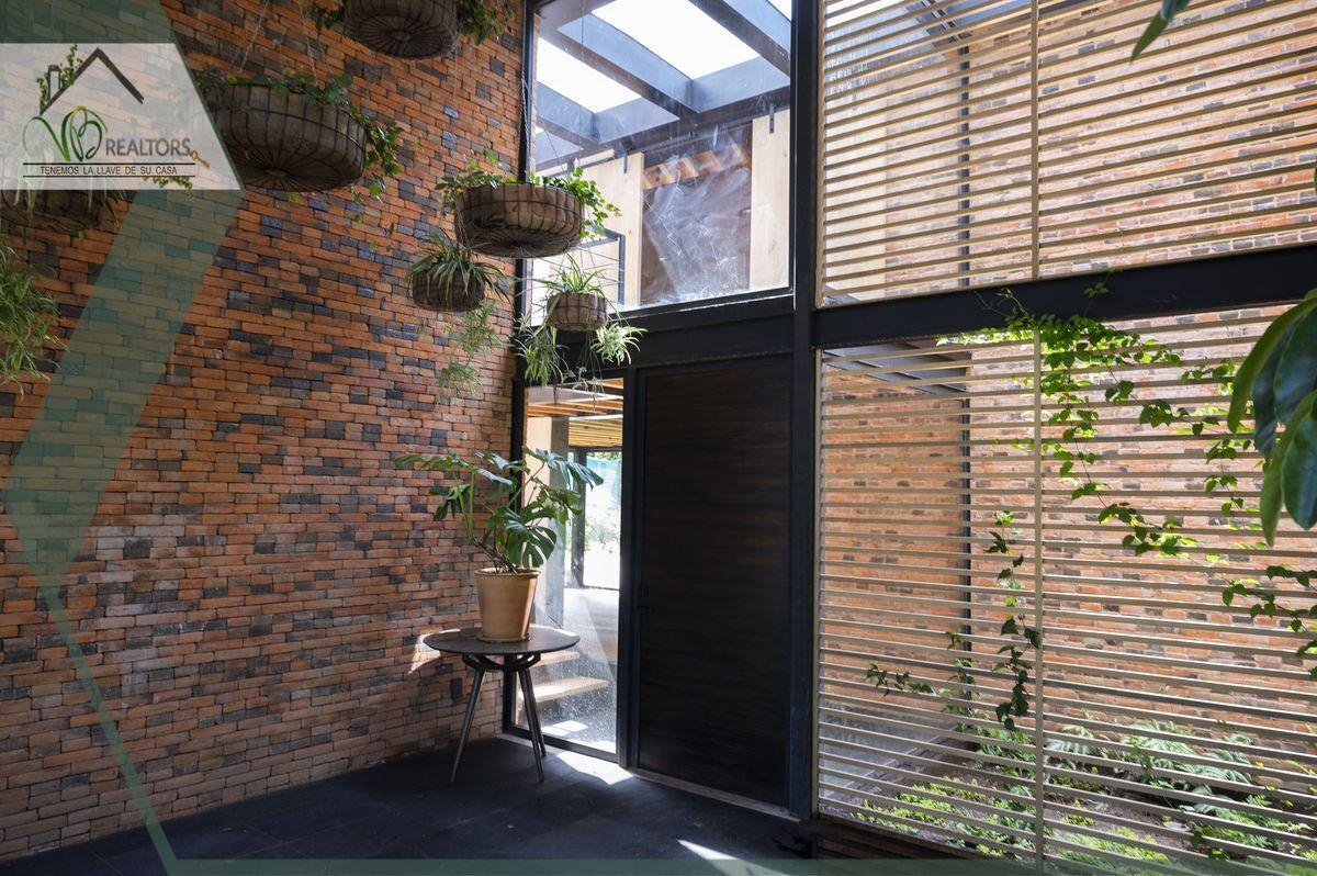 6 de 44: Recibidor www.vbrealtors.net Casa en Venta