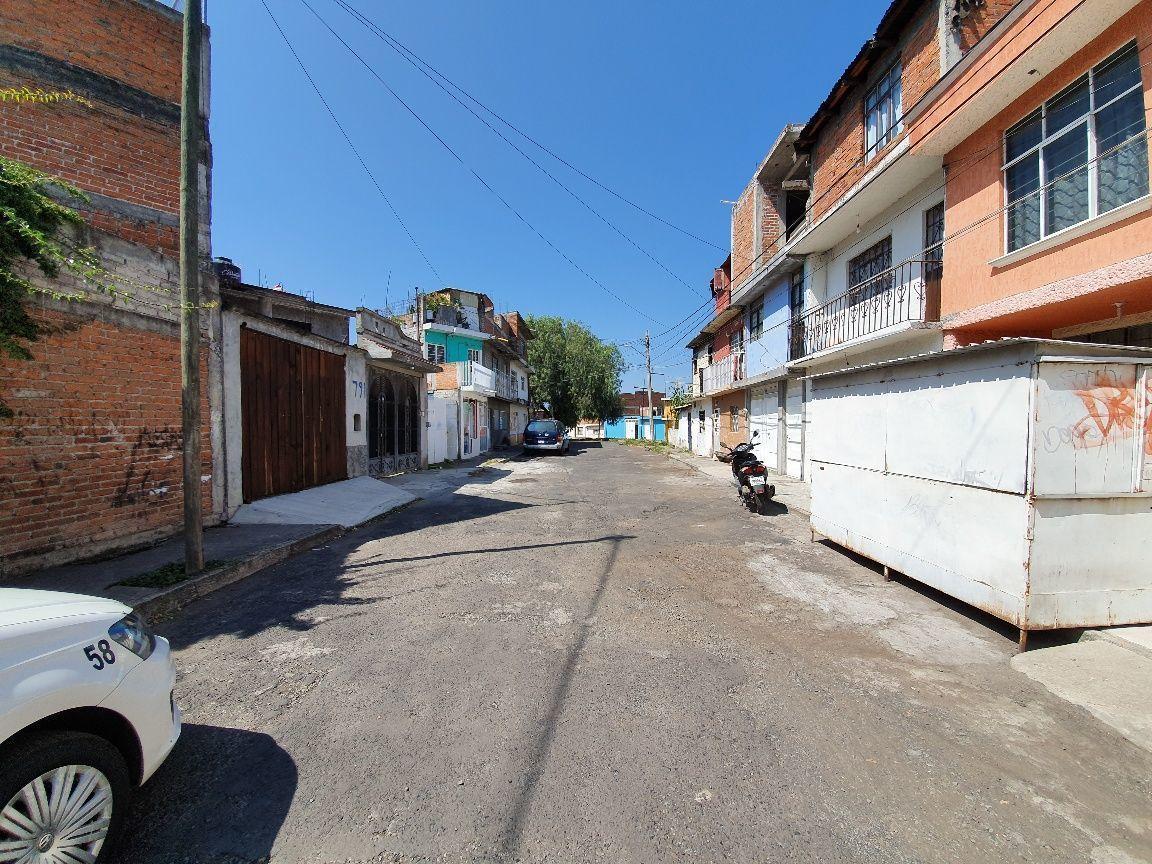 2 de 13: Entorno calle