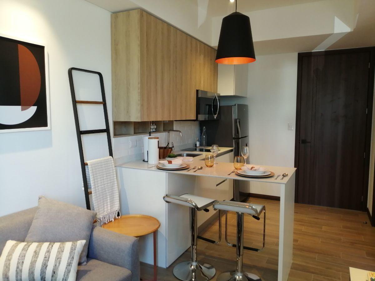 7 de 11: Vista de la cocina con gabinetes