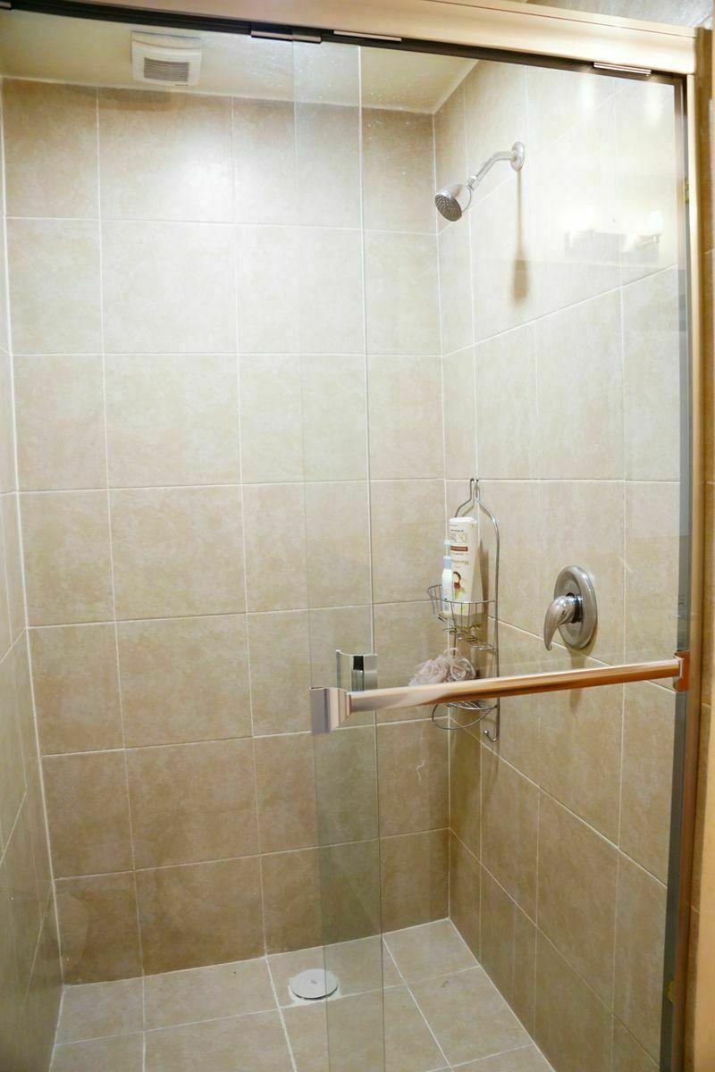 12 de 28: Regadera baño princiapal