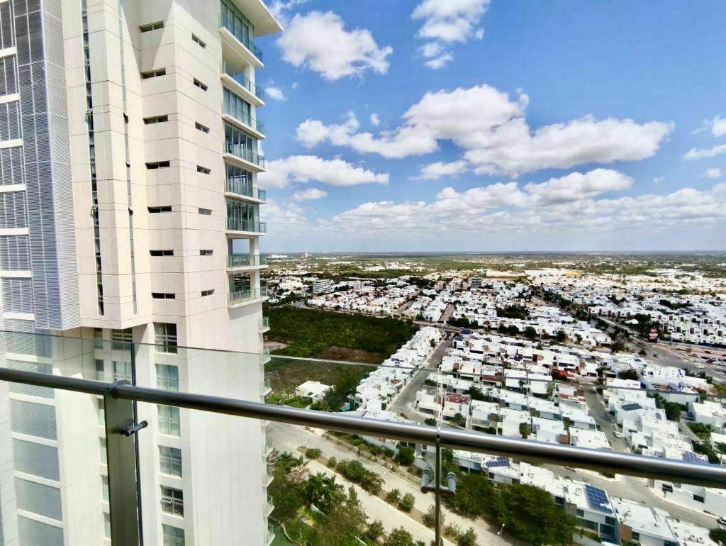 2 de 35: Departamento en Venta Country Towers, Mérida, Chichen Realty