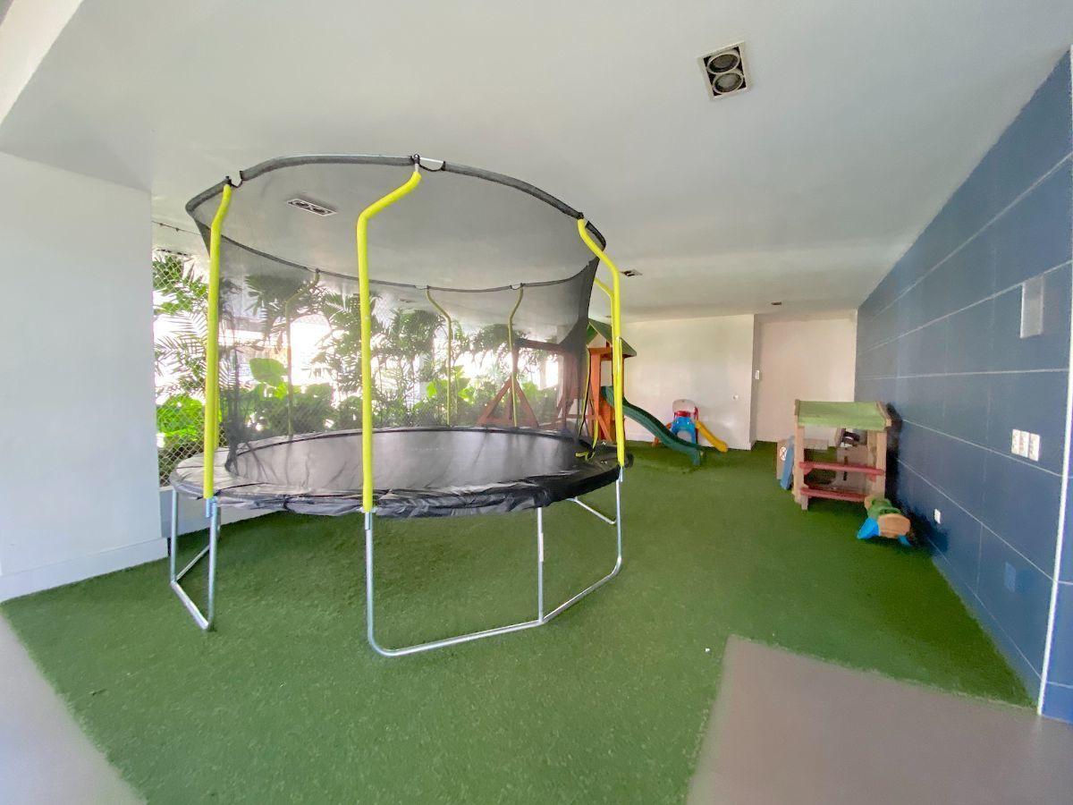 6 de 23: Cómoda y completa área de jgo. de niños