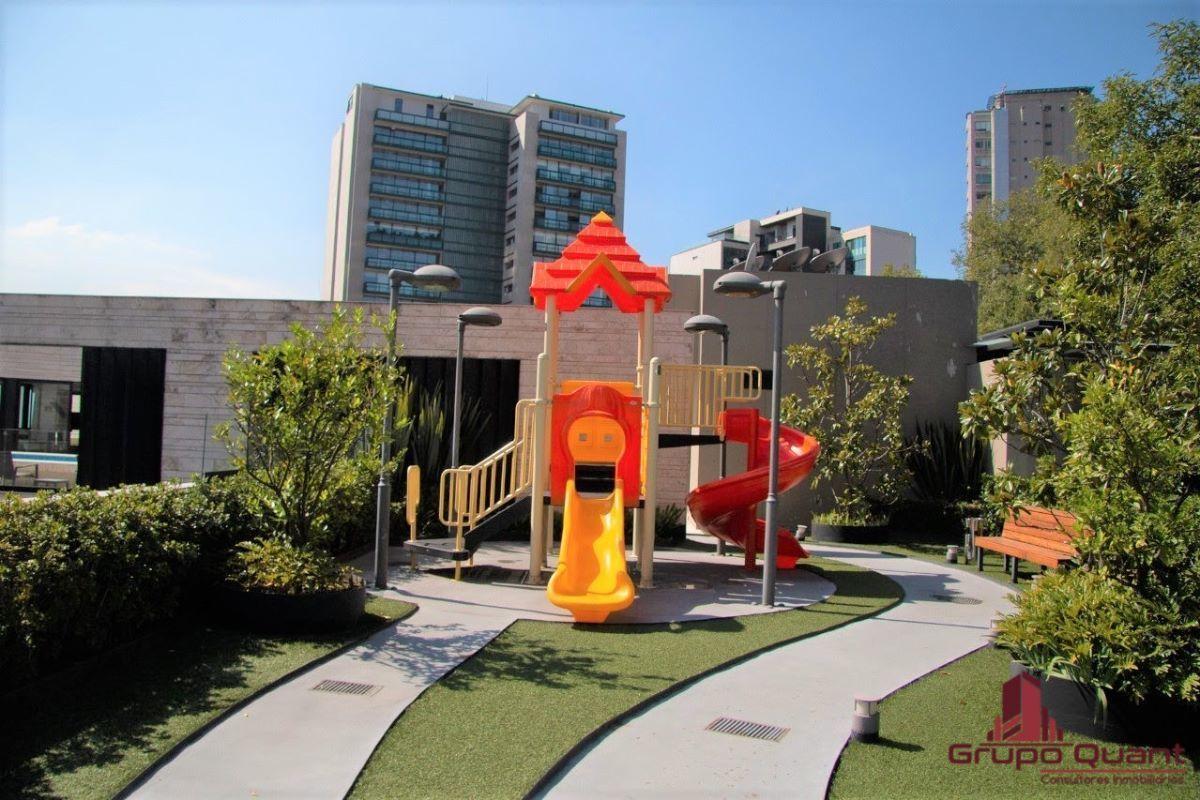 37 de 46: Área de juegos infantiles