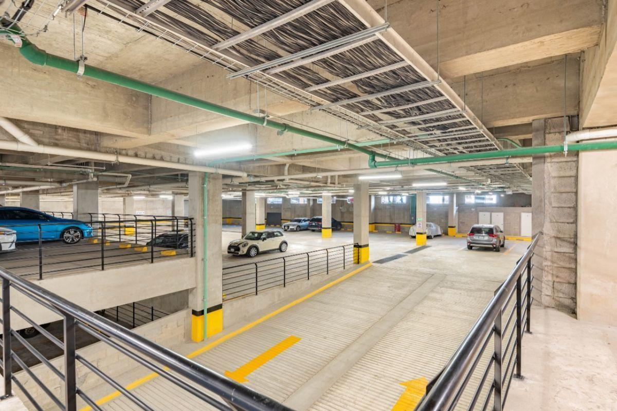36 de 36: estacionamientos independientes