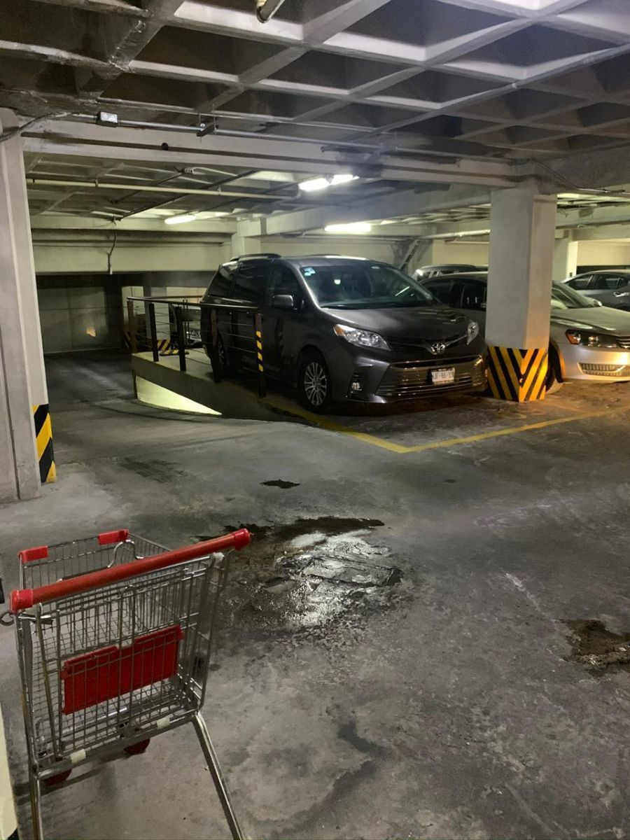 20 de 20: 2 lugares de estacionamiento