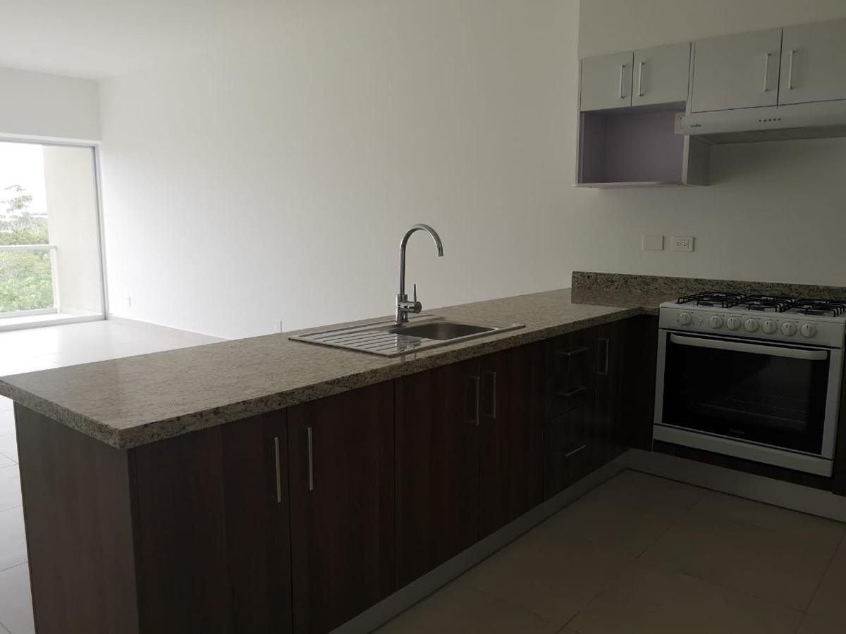 5 de 29: Vista de la cocina a la estancia