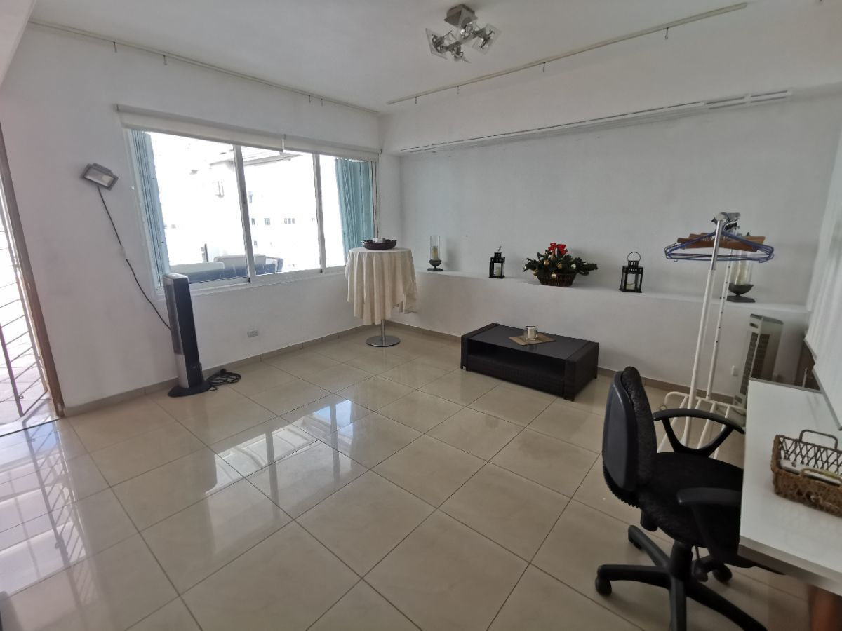 15 de 28: Otra oficina