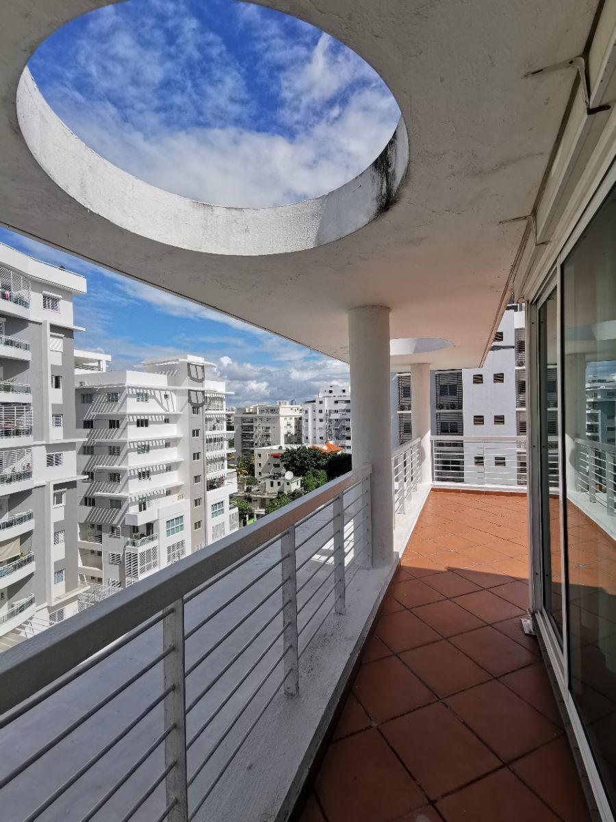 18 de 28: Amplio balcon