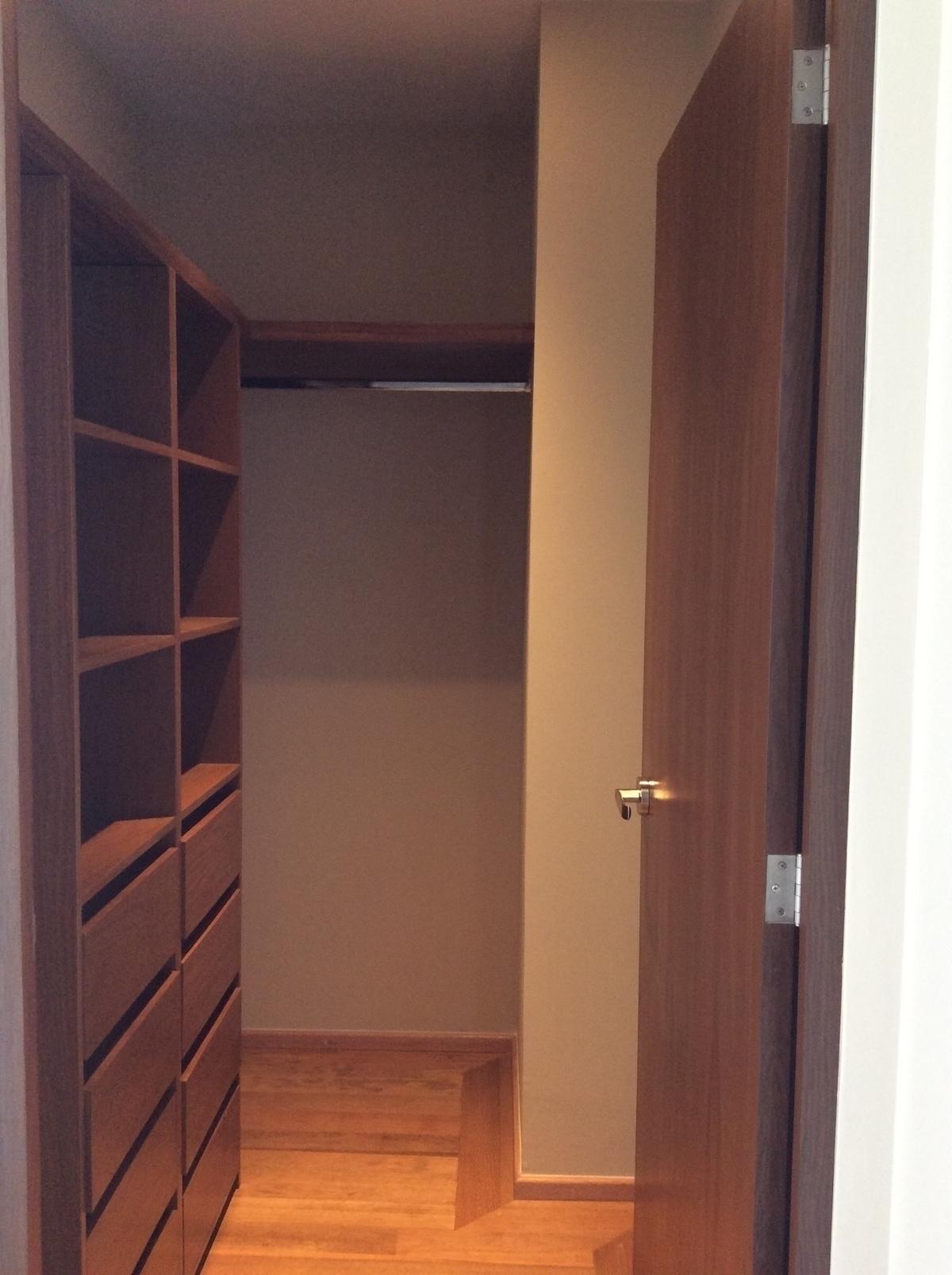 9 de 21: Closet