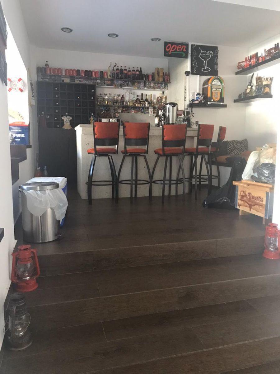 22 de 43: Bar-Cantina