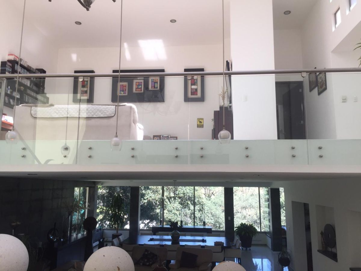 1 de 43: Vista acceso y Family Room