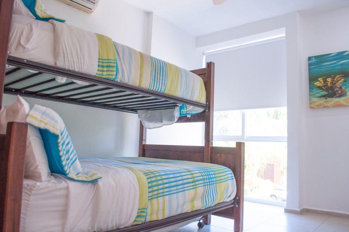 13 de 17: Green Canal - Third bedroom