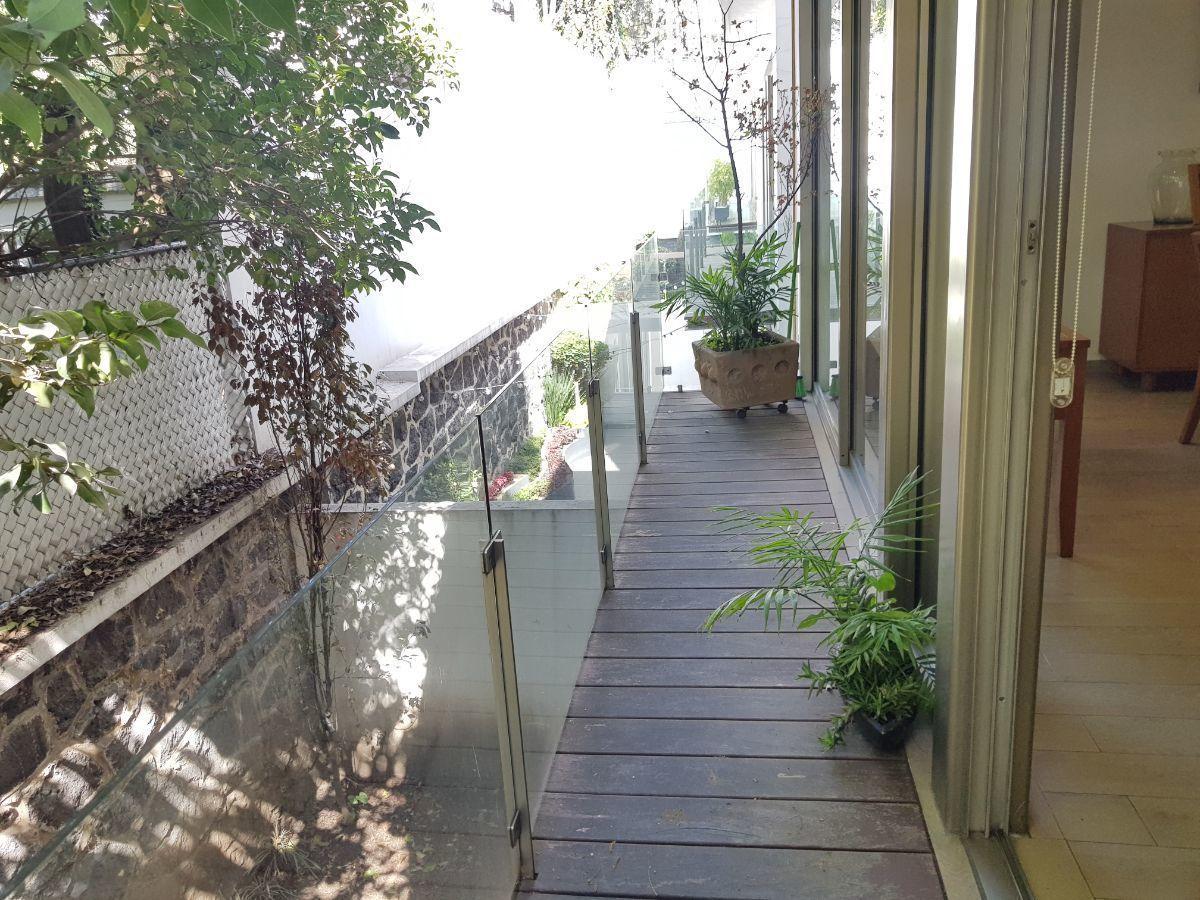 6 de 27: Balcón con acceso a la sala comeldor