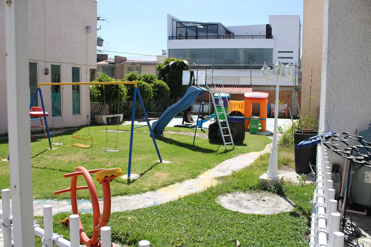 12 de 12: Área de juego infantiles junto a la casa.